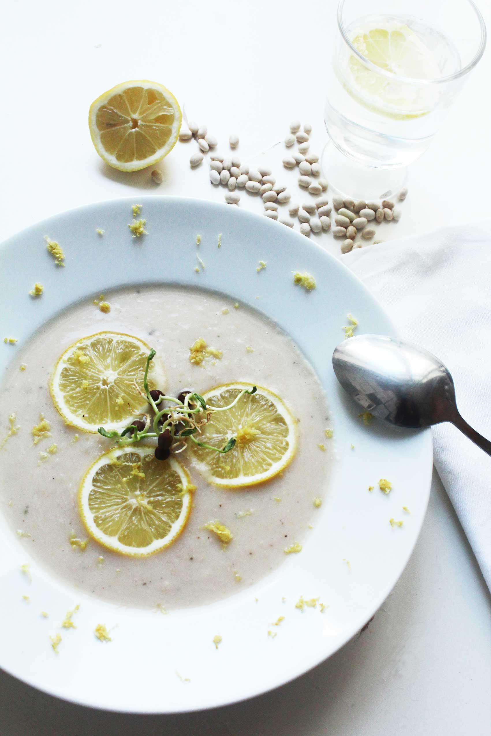 zitronige Bohnensuppe