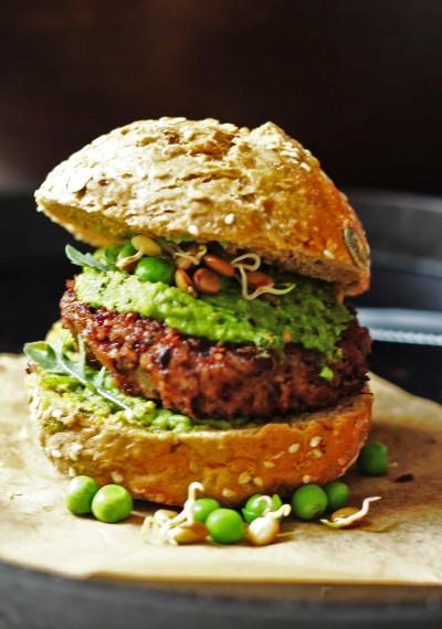 Burger_gross_dunkler_web