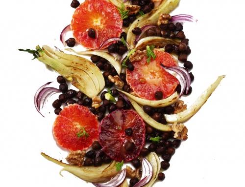 Blutorangen-Fenchel-Salat mit schwarzen Kichererbsen